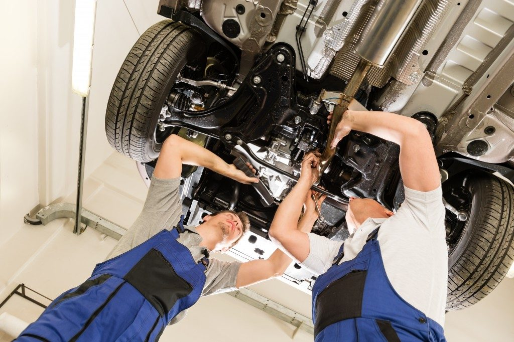 Automotive repair men