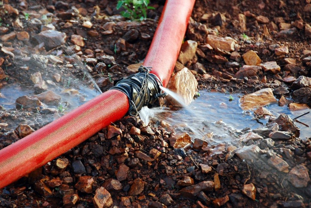 Outdoor piple leak