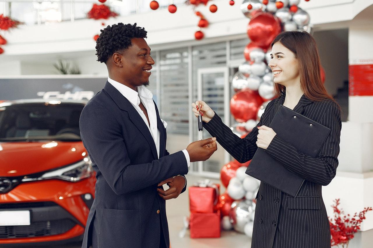 car dealer employees